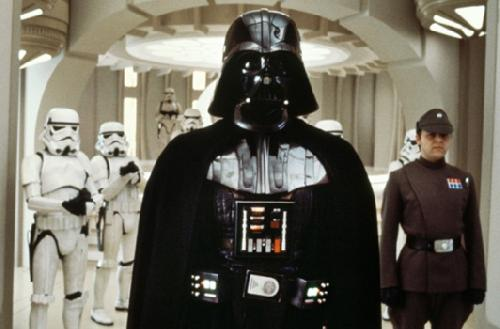 Dark vador va rena tre de ses cendres dans star wars vii - Image dark vador ...
