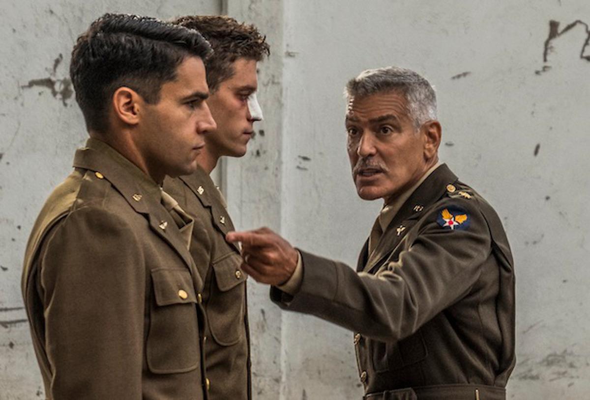 """Résultat de recherche d'images pour """"Catch 22 George Clooney"""""""