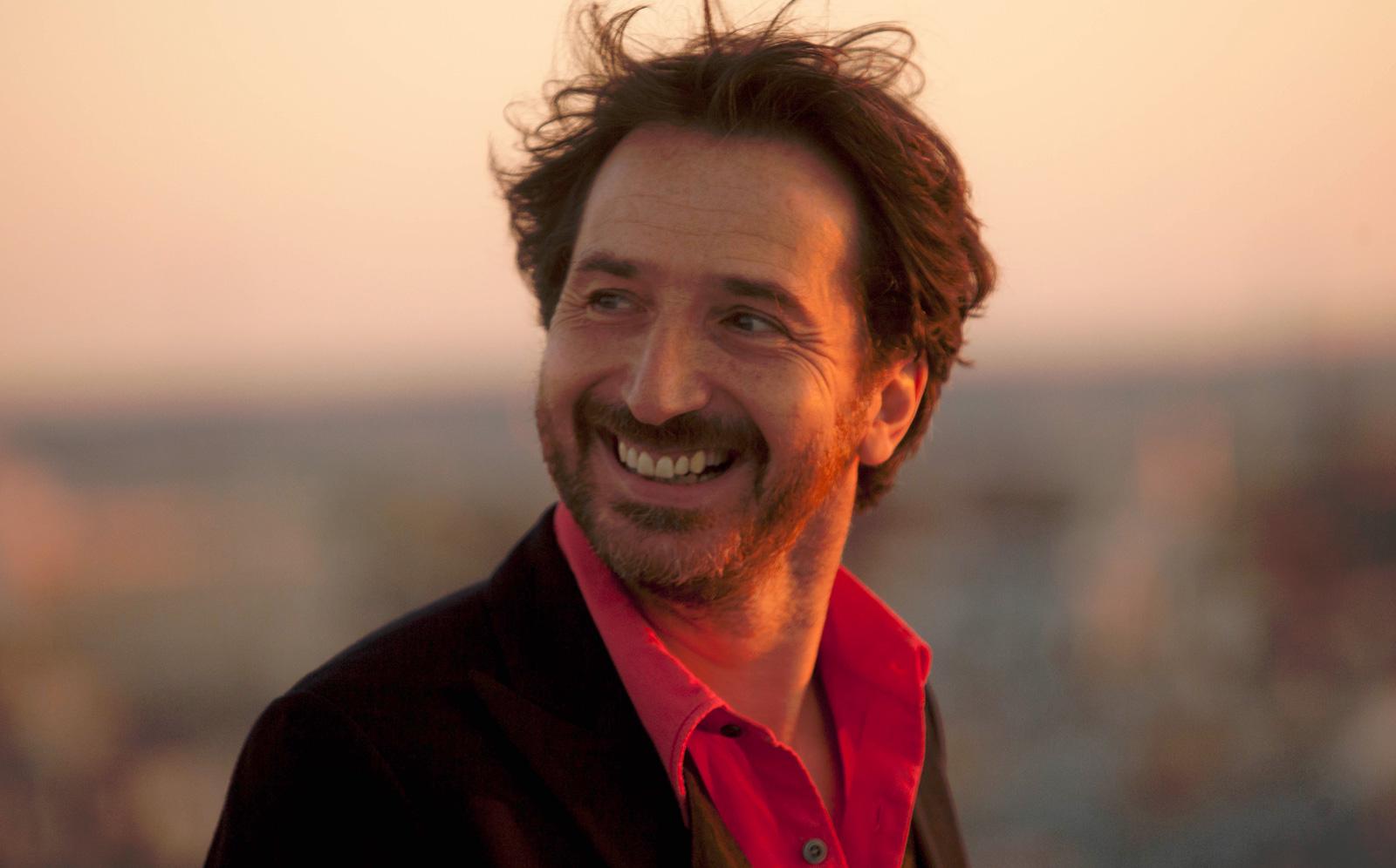 Edouard Baer tourne son nouveau film avec Benoit Poelvoorde et François Damiens