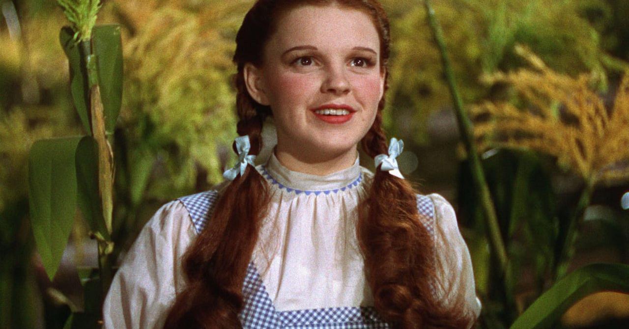 Perdue depuis 40, la robe de Judy Garland dans Le Magicien d'Oz retrouvée par hasard