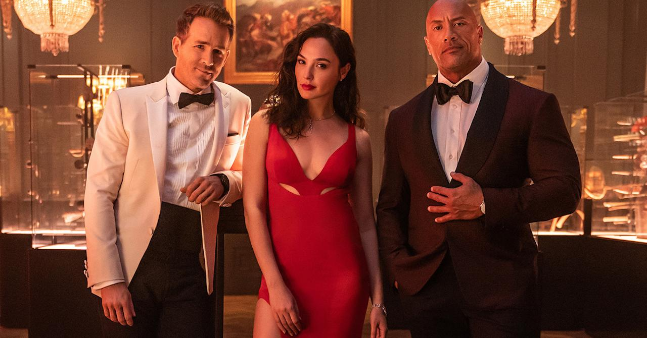 Read more about the article Red Notice: Dwayne Johnson and Ryan Reynolds united against Gal Gadot [bande-annonce]