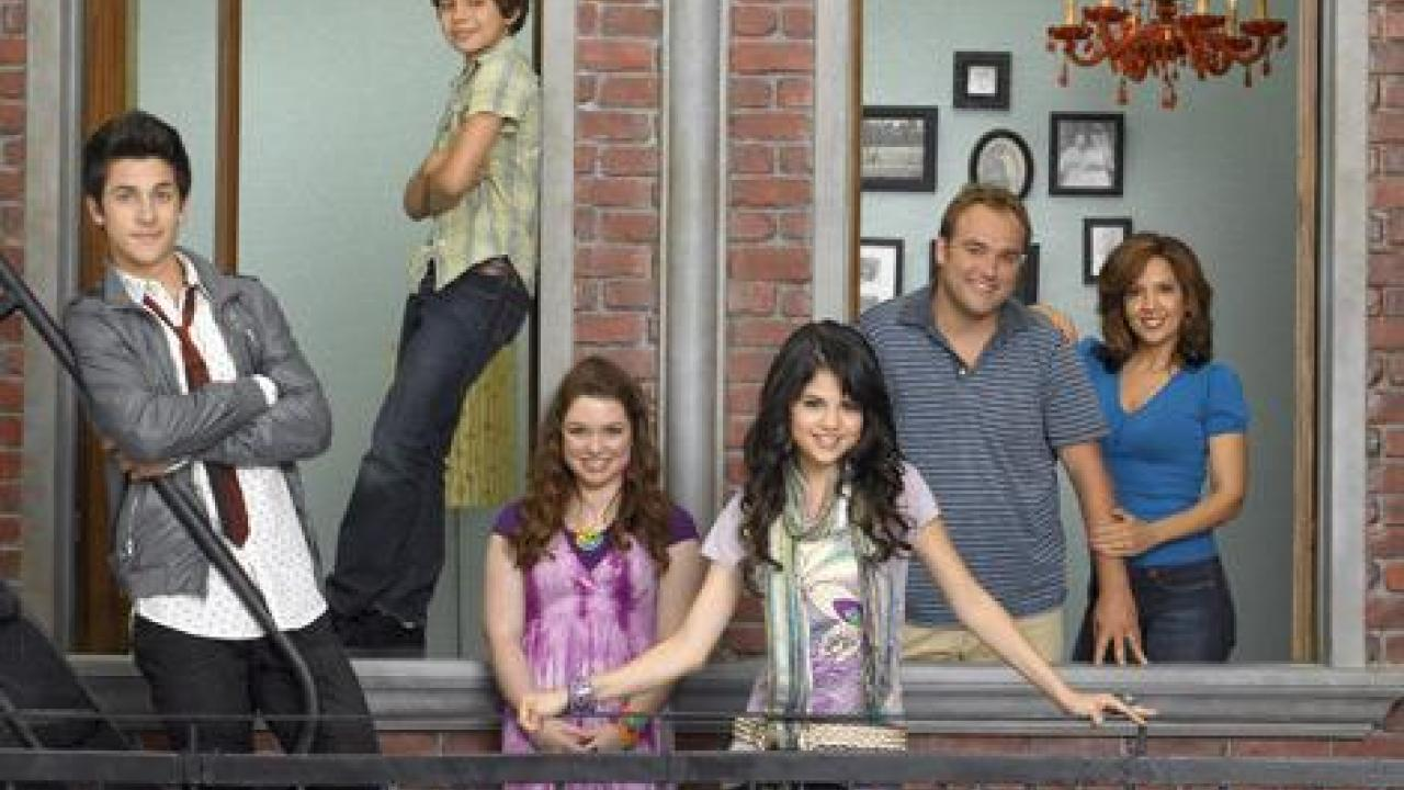 serie les sorciers de waverly place