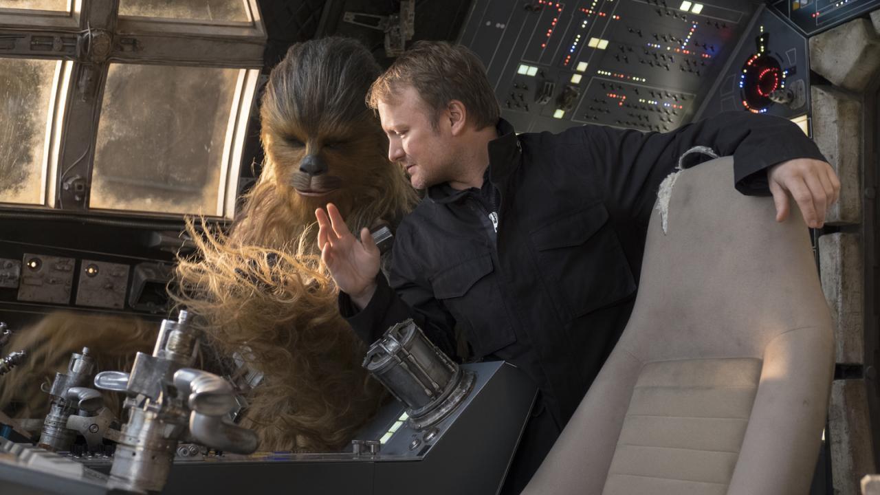 Camera Cachee Star Wars : Star wars les coulisses de la scène dans l espace avec leia