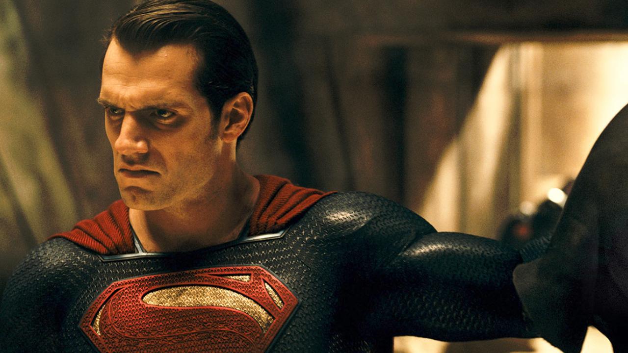 Adieu Man of Steel 2 : Henry Cavill ne serait plus Superman