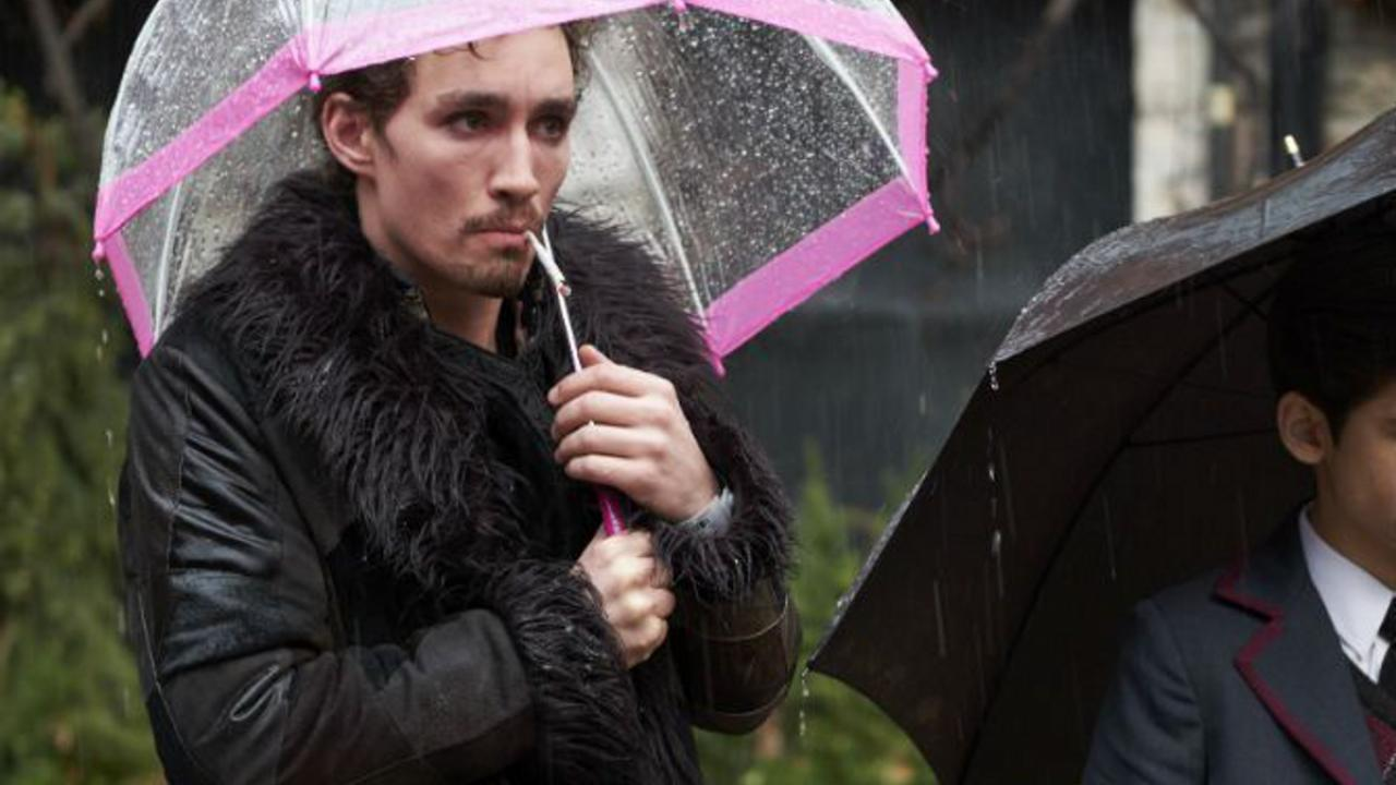 Umbrella Academy robert Sheehan