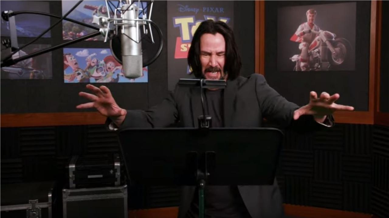 Keanu Reeves doublant Duke Caboom dans Toy Story 4