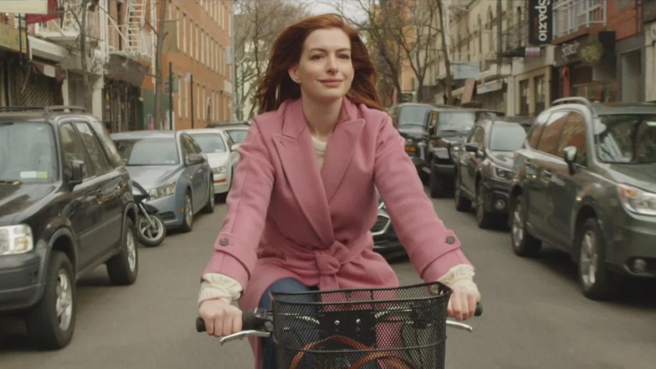 Modern Love : le trailer fleur bleue de l'anthologie romantique d'Amazon
