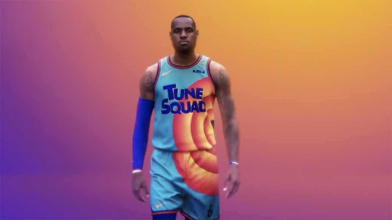 LeBron dévoile son maillot dans Space Jam 2 (vidéo)