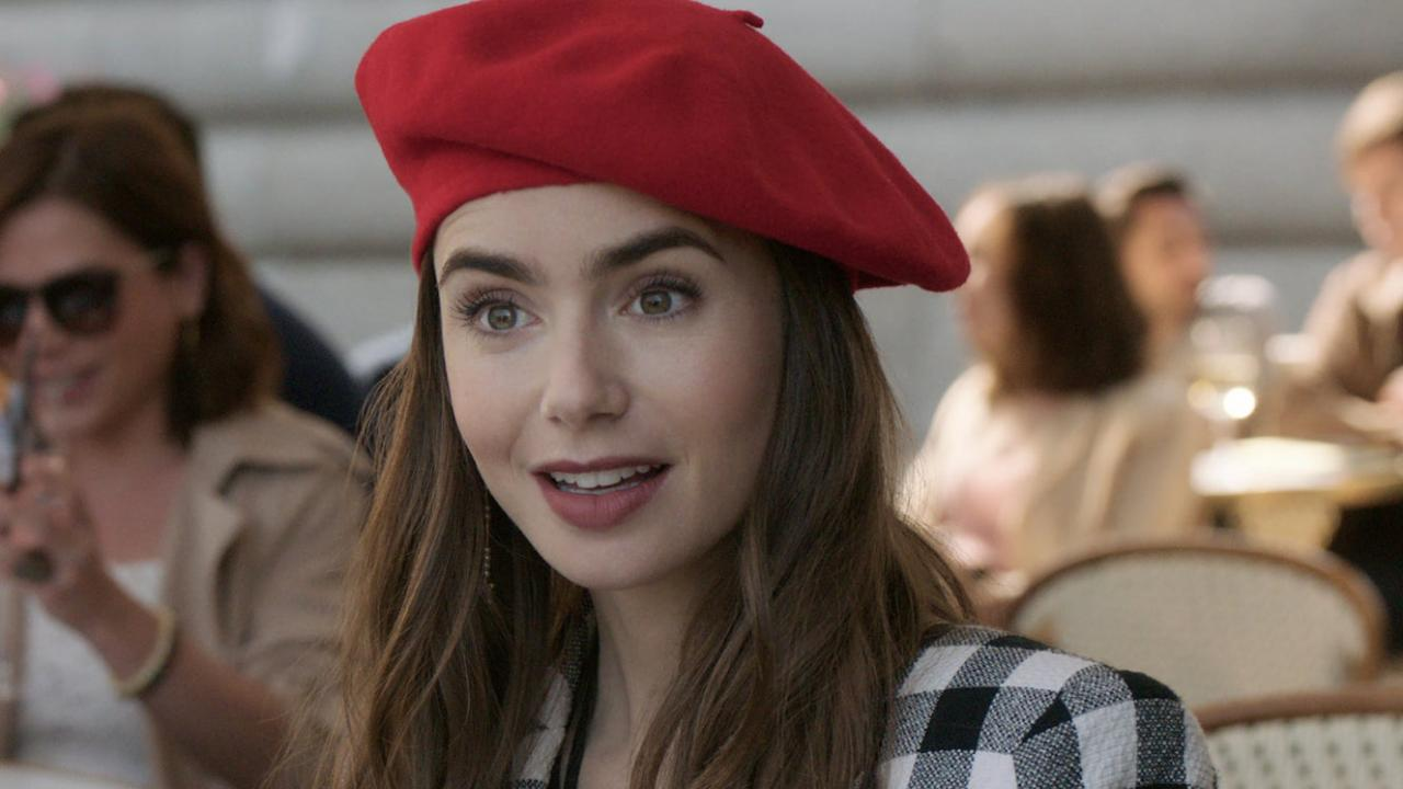 Lily Collins est Emily in Paris