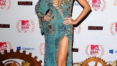 PHOTOS - MTV Music Awards : Heidi Klum torride dans une robe