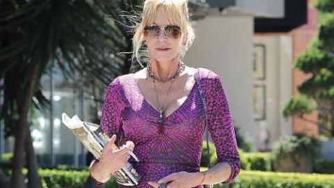 ffbaefc02cc9d PHOTOS - Melanie Griffith   la célibataire de 56 ans sait mettre ses atouts  en valeur