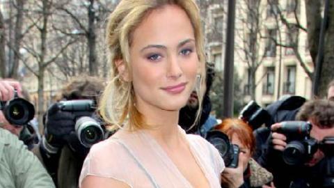 15b7c9ebaae PHOTOS - Nora Arnezeder   la jeune et jolie actrice a fait sensation au défilé  Dior en jouant de tout son charme !