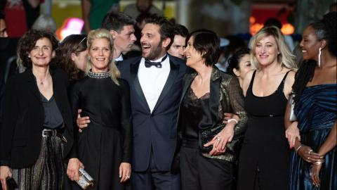 Cannes 2021: Catherine Corsini, and her team on the red carpet of La Fracture