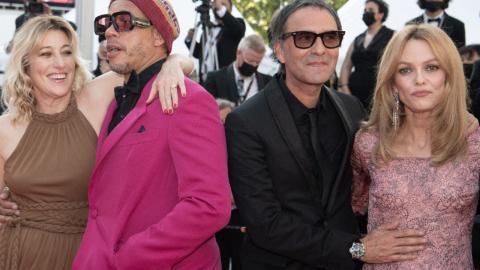 Cannes 2021: JoeyStarr climbs the stairs with Valeria Bruni-Tedeschi, Samuel Benchetrit and Vanessa Paradis