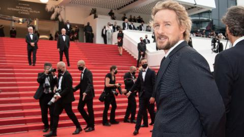 Cannes 2021: Owen Wilson is ready to climb the stairs of The French Dispatch!