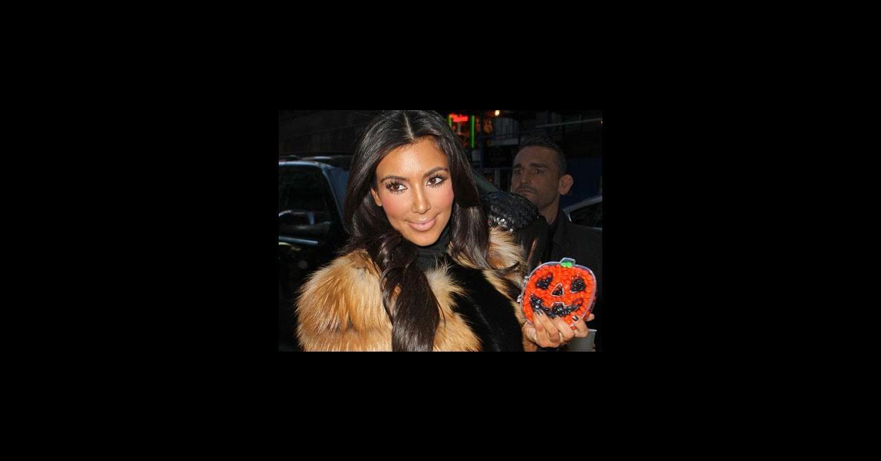 Aurait Elle Kim Le Kardashian Fond Légèrement Photos Sur De Abusé CQthdrxs
