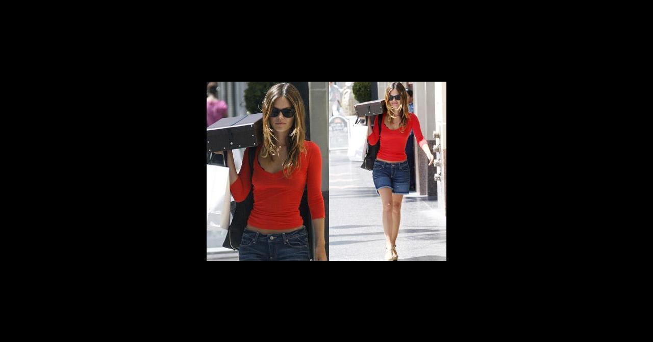PHOTOS - Rachel Bilson super sexy avec son tee-shirt rouge moulant et son  short en jean ! 25958a5e241