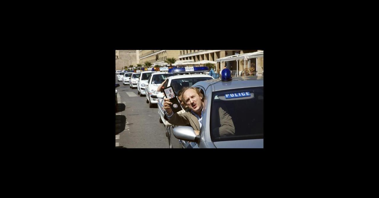 taxi 4 2007 un film de g rard krawczyk news date de sortie critique bande. Black Bedroom Furniture Sets. Home Design Ideas