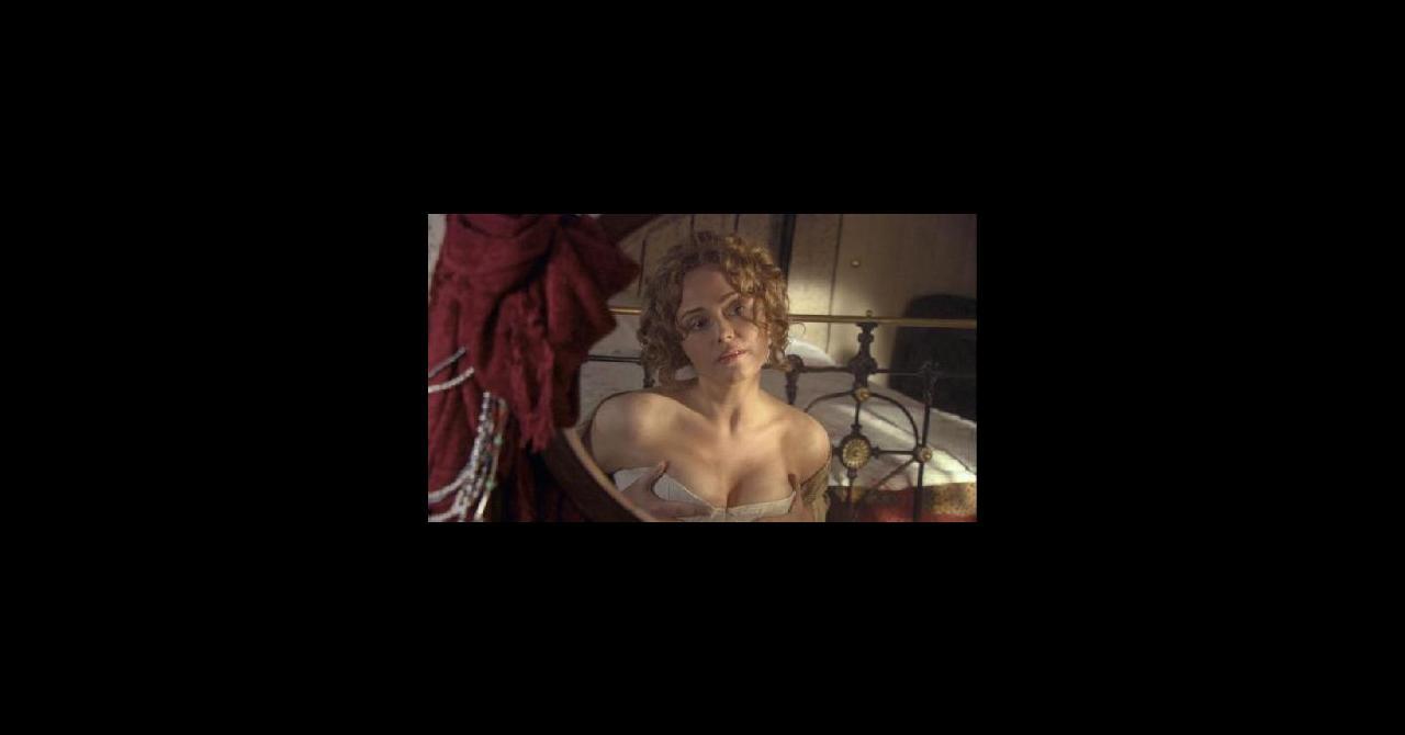 Angeline Ball Sex Scene angeline ball   premiere.fr