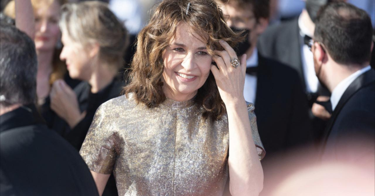 """Cannes 2021: Valérie Lemercier on the red carpet of Aline, her """"right wrong"""" Celine Dion biopic"""
