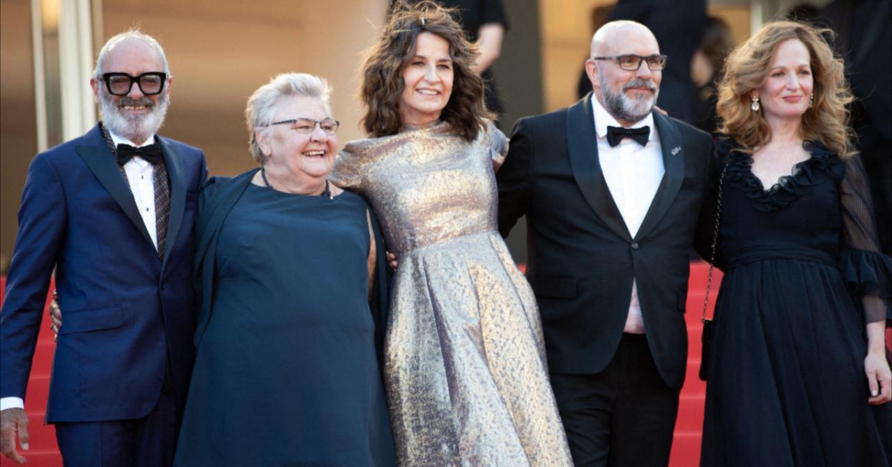 Cannes 2021: Valérie Lemercier surrounded by her actors: Roc Lafortune, Danielle Fichaud, Sylvain Marcel and Pascale Desrochers