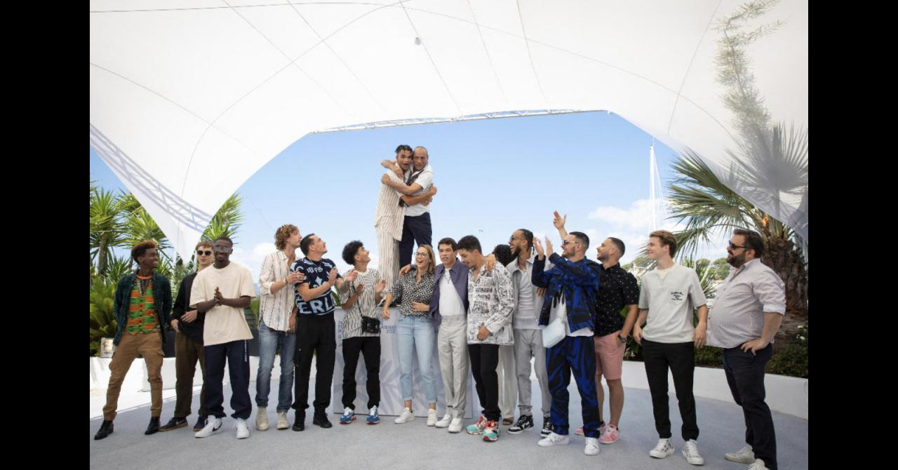 Cannes 2021: All the Suprêmes team gathered for the film's photocall