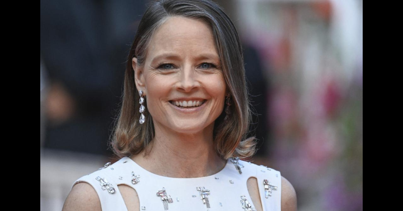 Jodie Foster, radiant on the opening night red carpet