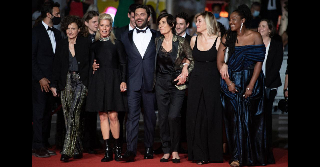 Cannes 2021: Catherine Corsini surrounded by her entire team for La Fracture