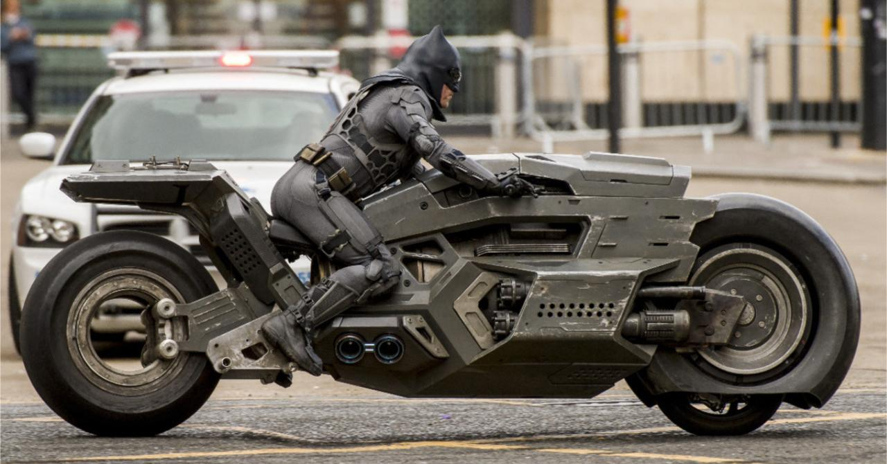The Flash: filming interrupted after an accident between a cameraman and Batman's understudy