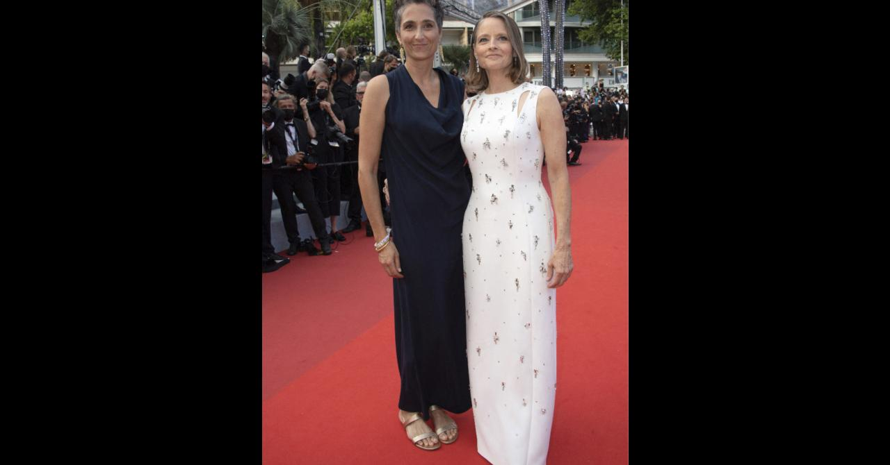 The opening night of the 2021 Cannes film festival: Jodie Foster and his wife Alexandra Hedison on the red carpet