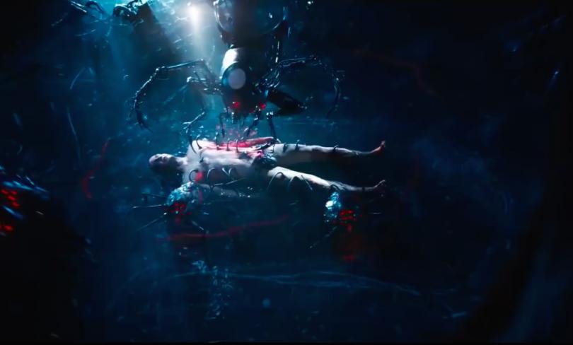 Matrix: Neo repaired by machines